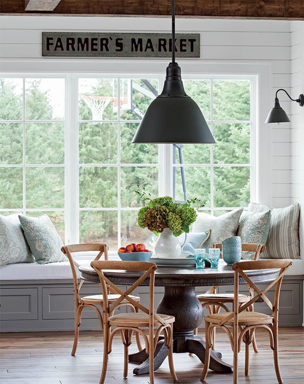 Modern Farmhouse Dining Room Decor Tips
